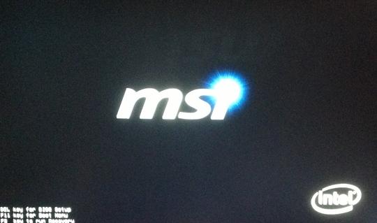 微星gt73笔记开机画面