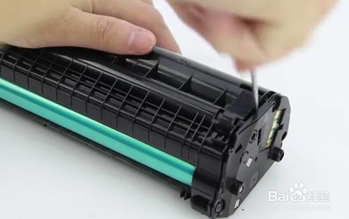 如何更换惠普136W打印机硒鼓芯片教程